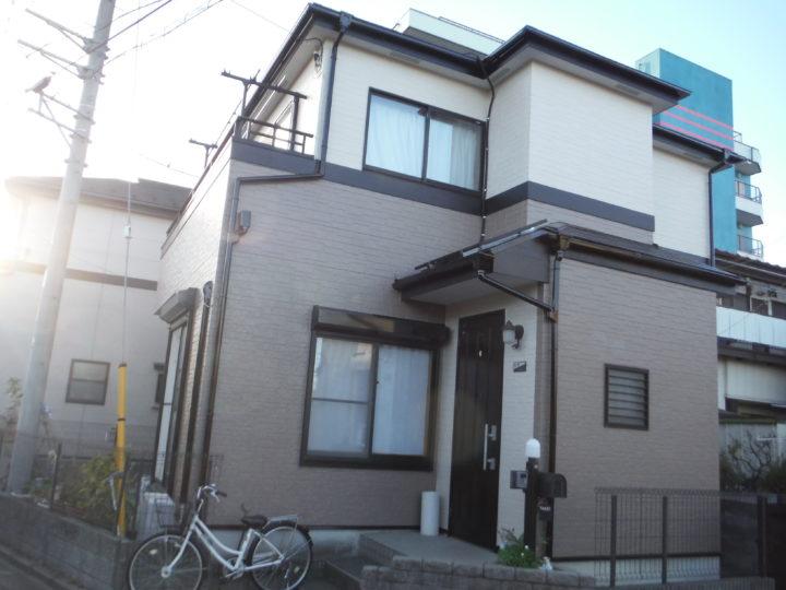 【川口市】流行のツートンカラーで新築の外観に!|外壁塗装、防水、屋根リフォーム専門店カワグチペイント
