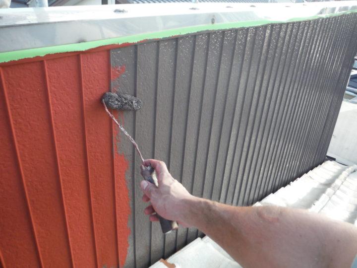 屋根裏トタン上塗り