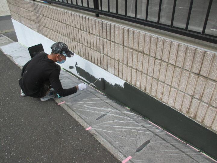 外塀中塗り