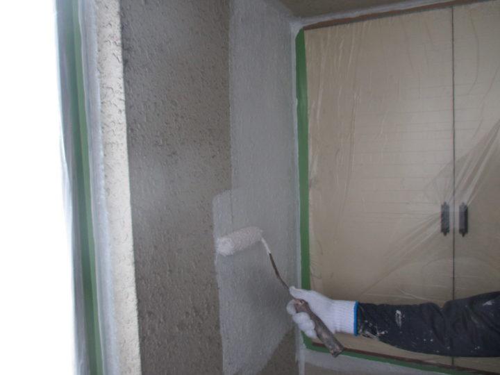 階段室下塗り